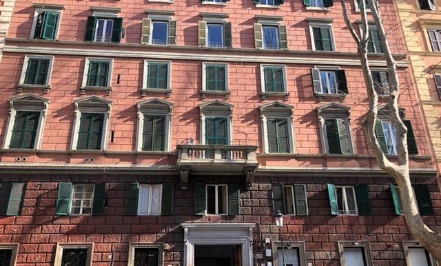 giadaimmobiliare-vendita-negozio-merulana-roma 1
