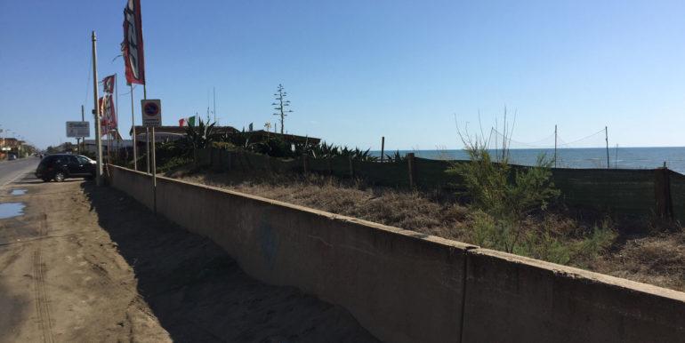vendita-terreno-edificabile-pomezia-torvaianica-via-delle-meduse-lato-mare
