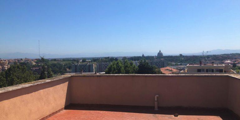 giadaimmobiliare-attico-vendita-baldodegliubaldi-roma 30
