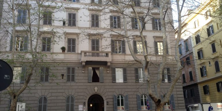 appartamento affitto roma castro pretorio palazzo3